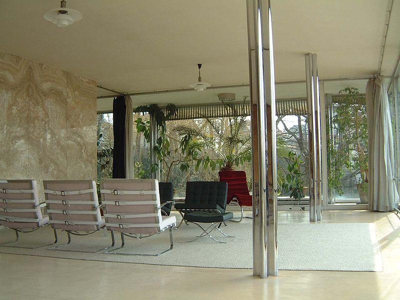 Onyxová stěna v obývacím pokoji vily Tugendhat
